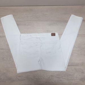 AEO White skinny Jean's Size 8R